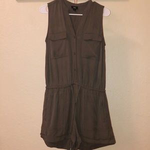 Mossimo Sleeveless Romper, Size S
